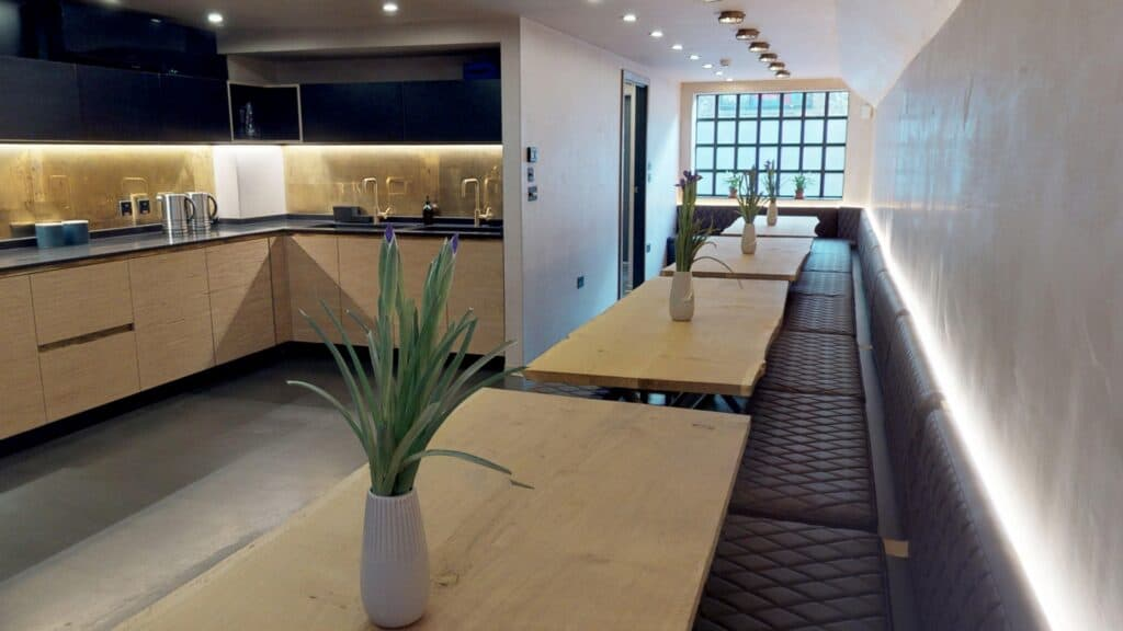 RAILWORKS 2. Brighton hen party houses with private dining rooms & HOT TUBS.